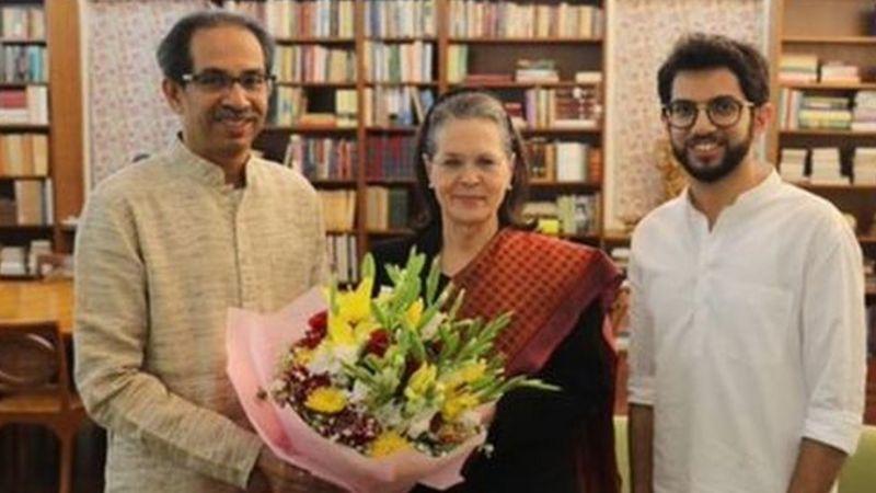 महाराष्ट्र शासनाने आदिवासी आणि दलित लोकांच्या विकासासाठी निधी द्यावा : सोनिया गांधी