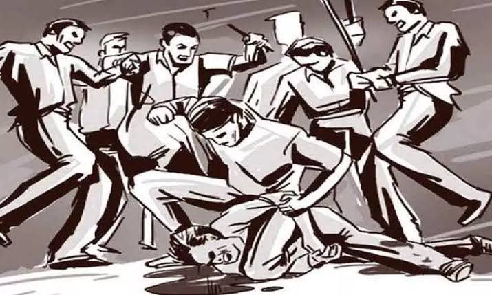 चोर समजून जमावाने केली दोन युवकांना बेदम मारहाण एकाचा मृत्यू तर एक गंभीर अवस्थेत रुग्णालयात दाखल!