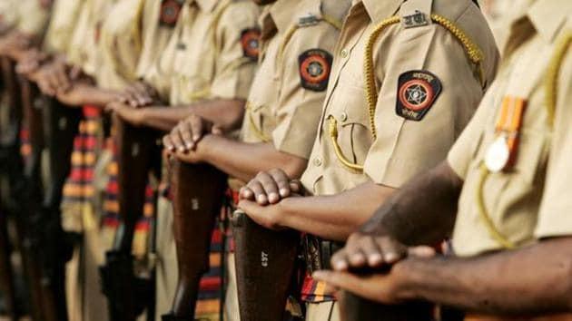 कोरोना योद्धेच होता आहेत घायाळ; आठवडय़ाभरात १,२०३ पोलीस बाधित