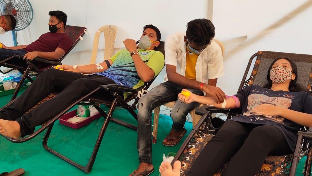 भाईंदर पूर्वेकडील गोडदेव ग्रामस्थांकडून भव्य रक्तदान शिबिराचे आयोजन