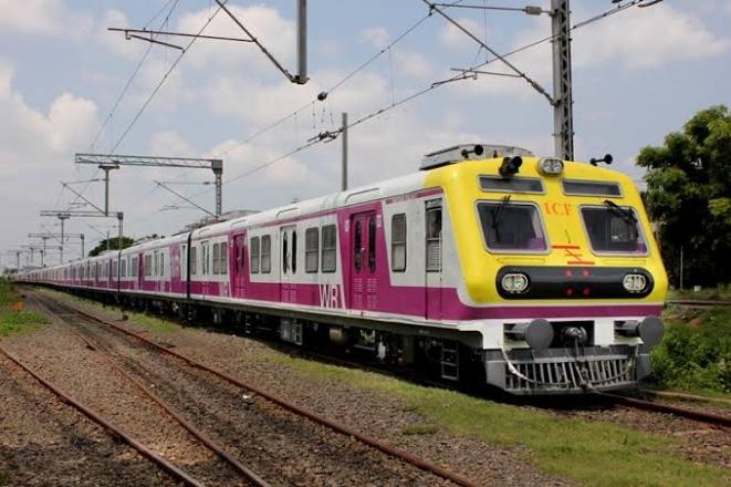 लोकल ट्रेनमध्ये आवश्यक सेवा पुरवठादाराखेरीज इतरांना परवानगी देणार नाही; महाराष्ट्र सरकारने मुंबई हायकोर्टाला दिली माहिती